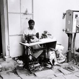 Pondichéry - le tailleur dans la rue