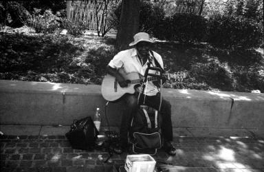 Musicien - Paris rue Coquillère - juillet 2019